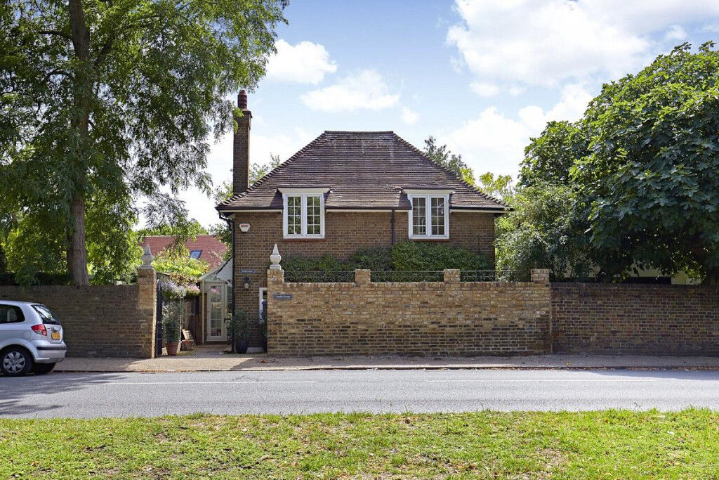 Two bed cottage in Richmond | in Richmond, London | Gumtree