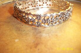 ladies vintage bracelet with safety chain