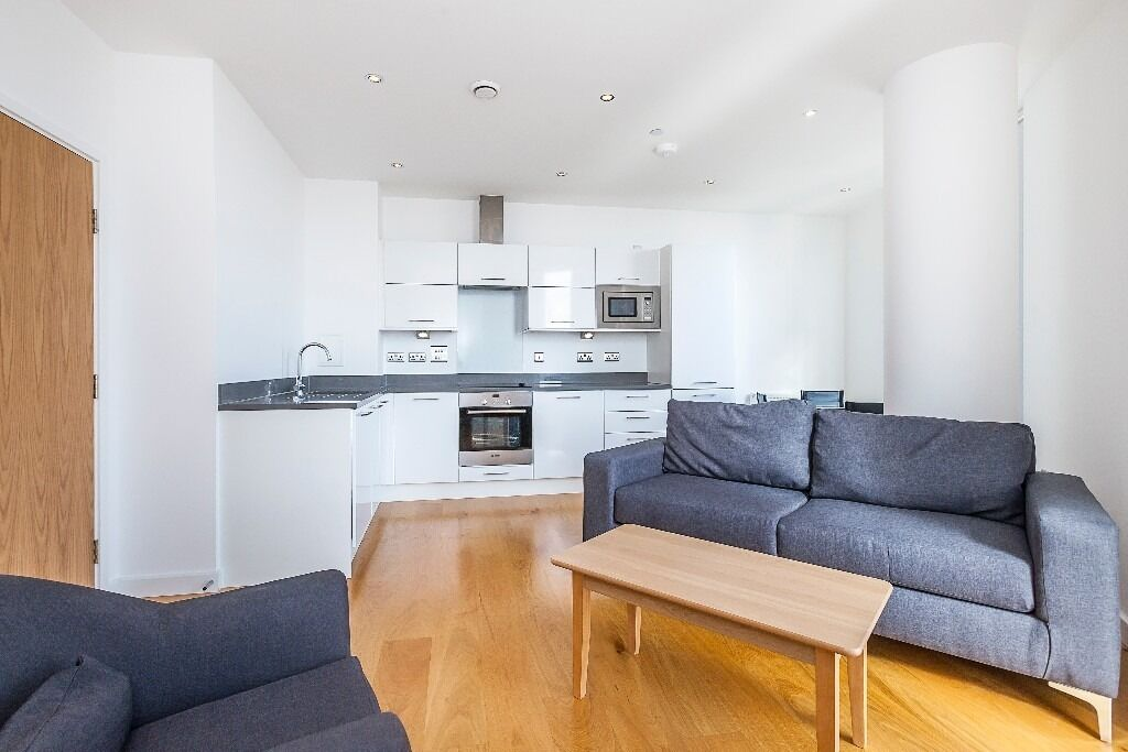 48 Bedroom Apartment To Rent Halo Tower Stratford High Street Interesting 2 Bedroom Flat For Rent In London Interior