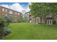 Three double bedroom flat to rent in Battersea, SW11, Unfurnised
