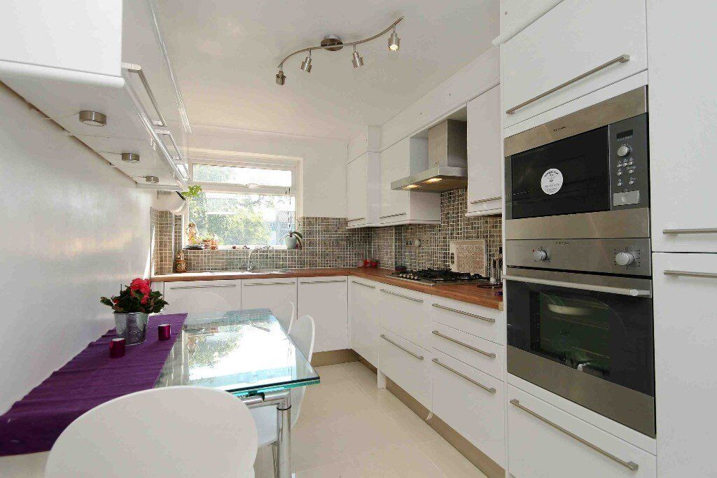 EXQUISITELY MODERN ONE BEDROOM CONVERSION IN FULHAM