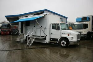 Freightliner FL 60 Food Truck Wohnmobil Tiny House