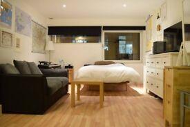 Studio House to rent Long Lane-NO FEES