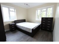 AVAILABLE NOW. 2 BED FLAT WOOD GREEN N22 N13 PALMERS GREEN. CALL NOW. IDEAL 4 TUBE, SHOPPING CENTRE