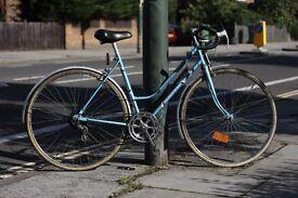 Mistral ladies vintage road racing / touring bike
