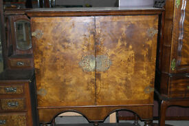 STUNNING WALNUT INLAY COCKTAIL CABINET!!!!!!!!!!!!
