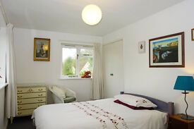 Double Room in Cottage, Near A34/A303 Winchester/Stockbridge/Andover (Mon - Fri )