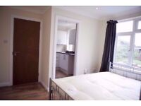 AMAZING STUDIO FLAT IN GANTS HILL IG2 6DL AVAILABLE NOW FOR £900PCM