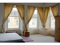 Spacious double room in Hillhead (female flatshare)