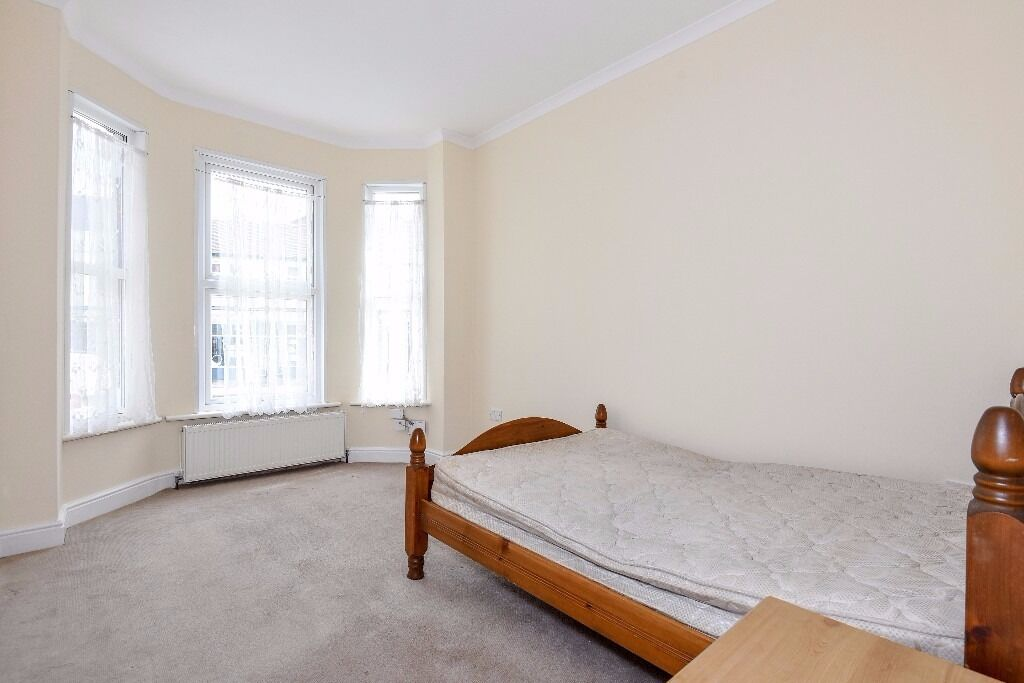 A one or two double bedroom conversion flat to rent