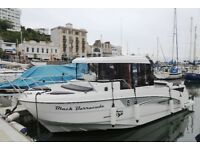 Fishing Boat /Cruiser Beneteau Barracuda 8 with single Suzuki 250 APX 2018-only 45 hours