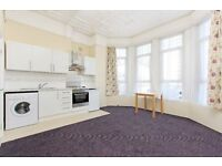 Beautiful studio flat in Thornton Heath. REGULATED HEATING AND WATER RATES INCLUDED.