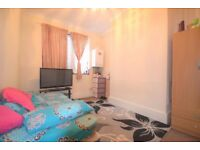 INCREDIBLY SPACIOUS 3 BEDROOM HOUSE IN THE HEART OF UPTON PARK **MUST SEE NOW!**