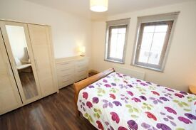 Double Room to Let in Modern Townhouse Beside The sea, £375 pm, Including All Bills.