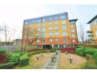 2 Bedroom 4th floor ( lift) modern flat in Odette Court Station Road Borehamwood WD6 £ 1250pm
