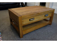 SOLID OAK COFFEE TABLE OR TV STAND