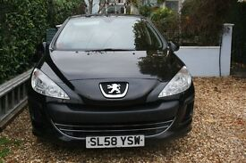 Lovely Peugeot 308. Black, Full MOT, Low Insurance and Low running costs. Recently serviced