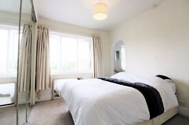 Double bedroom within a shared house set in the village of Twyford.
