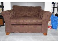 Marks & Spencer Love Seat (Plum/ Brown Floral Rose)