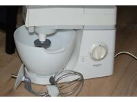 KENWOOD CHEF CAKE MIXER CAN BE SEEN WORKING