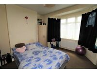 Two Bedroom. Flat. Private Garden. Fully Fitted Kitchen.