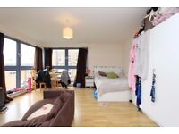 ** 2 LUXURY MASSIVE double room *** *** CANARY WHARF *** MODERN apartment ***