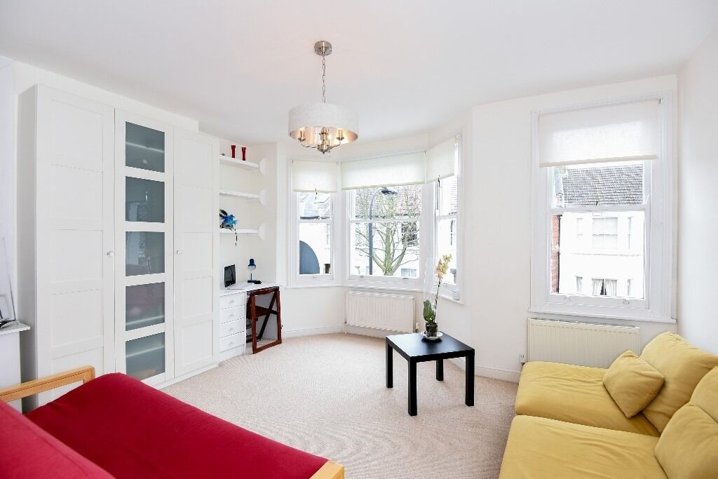 A recently refurbished one double bedroom garden flat situated on Ashcombe Street, SW6