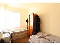 2 bedroom flat in Arnold Road, Tooting, SW17