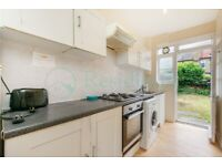 SW17 8PN - LONGMEAD ROAD - A STUNNING 3 BED 1 STUDY HOUSE WITH PRIVATE GARDEN - VIEW NOW