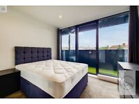 SE16 2FA - ROTHERHITHE OLD ROAD - A STUNNING 4 BED 4 BATH PENTHOUSE WITH ROOF TERRACE
