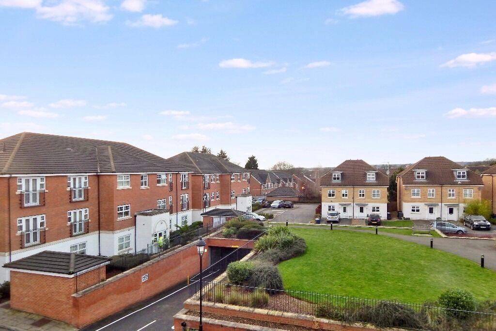 TWO BEDROOM FLAT AVAILABLE TO RENT IN SHETLAND COURT, MILL HILL NW7