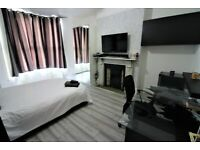 Outclass and spacious prime location 2 bedrooms ground flat near Forestgate Station ---No DSS please