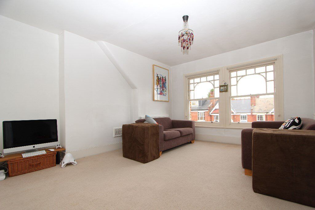Modern 2 bed top floor apartmnt to rent in Muswell Hill, N10 £345pw