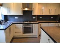 *Spacious Newly Refurbished Cottage With Off Street Parking and Garden Mintues Walk From Penge Stn!!