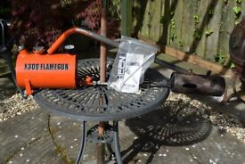 Flame Gun for getting rid of garden weeds. Ideal for Driveways and Paths!