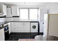 NO DEPOSIT **LARGE ROOMS FOR RENT HOUSE SHEARED IN A STARTFORD ZONE-2 NEAR WESTFIELD SHOPPING CENTER