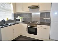 ** CHEAP** SPACIOUS THREE BEDROOM APARTMENT, TWO BATHROOMS,PRIVATE GARDEN IN THORNTON HEATH