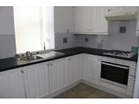 Bright and Spacious 2 bed lower cottage flat available NOW !! £475pcm - half deposit !!