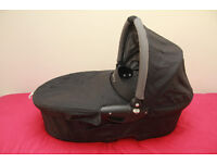 Quinny Buzz Dreami Carrycot black with grey lining