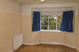 Beautiful 2 bed ground floor flat with garden in Epsom