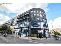 **QUALITY** 3 DOUBLE BED 2 BATH NEW BUILD CLOSE TO Greenwich. Perfect for three sharers Furnished!