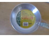 'THE PERFECT OMELETTE PAN' - NEW. UNUSED. Promoted by DELIA SMITH in the 1980s as 'A LITTLE GEM'.