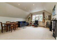 3 bedroom flat in 20 Ferncroft Avenue, Hampstead, NW3