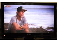 """32"""" LUXOR LUX32914IDTV HD LCD TV WITH BUILT IN FREE VIEW IN GREAT CONDITION."""