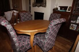 Solid Oak Oval Dining Table - In near perfect condition