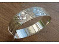 Hallmarked Sterling Silver 15mm Half Engraved Hinged Bangle