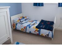 Complete Childrens/Toddler/Young Boy's Bedding and Bedroom Set - Car/Construction Themed
