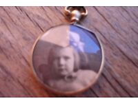 9ct Gold Victorian Double sided Picture Locket