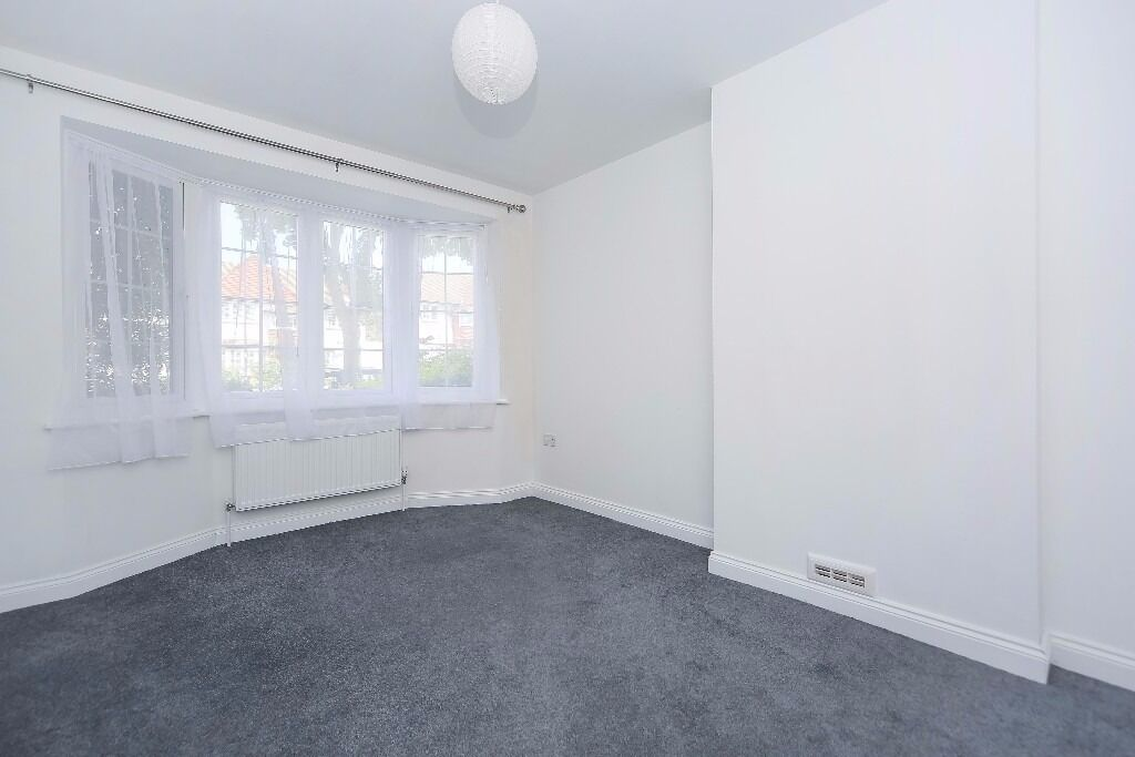 NEW!**Three double bedrooms**Two reception rooms**Fully fitted separate kitchen**CRICKLADE