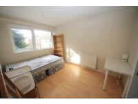 Very spacious 4 bedroom flat in Denmark Hill